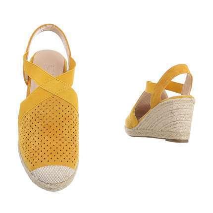 l11-138-yellowset_3